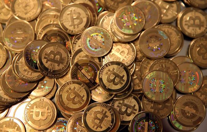 """Bitcoin bất ngờ """"trỗi dậy"""""""