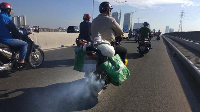 TP.HCM tính 'loại' xe máy cũ để giảm ô nhiễm môi trường - ảnh 1