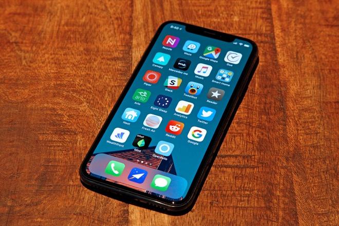 iPhone X duoc chao ban gia 6 trieu dong tai Viet Nam hinh anh 2