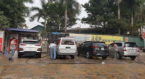 200.000 đồng một lần rửa ô tô ngày 29 Tết