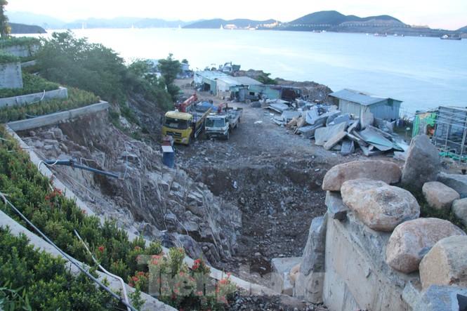 """Cận cảnh những công trình xây """"chui"""" trên đảo Hòn Tằm - Nha Trang - ảnh 5"""