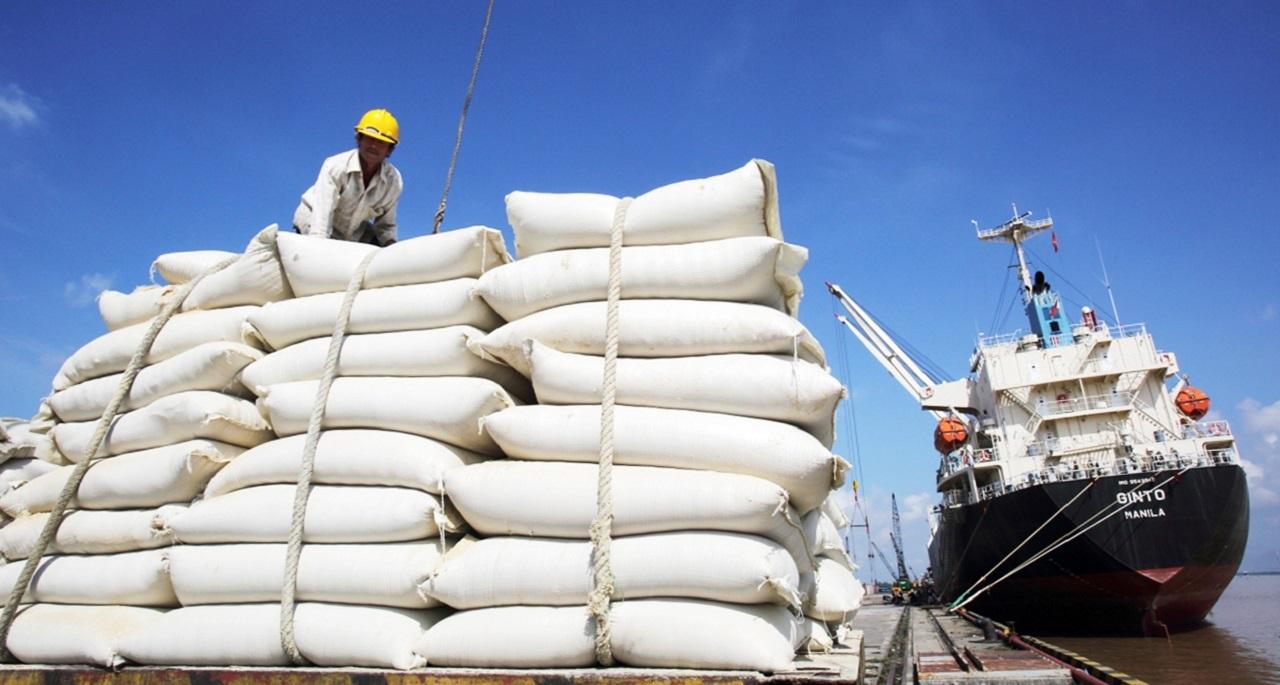 Phó Thủ tướng yêu cầu báo cáo việc mua dự trữ lương thực và xuất khẩu gạo tháng 4