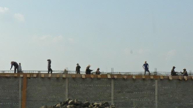 Vụ xây dựng biệt thự trên đất nông nghiệp: Thi công rầm rập bất chấp lệnh cấm