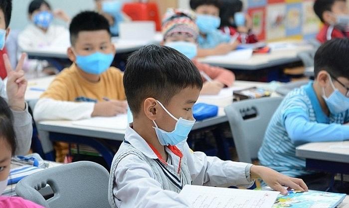 Hà Nội quyết định cho học sinh đi học trở lại từ 4/5 | Vĩ mô | BizLive