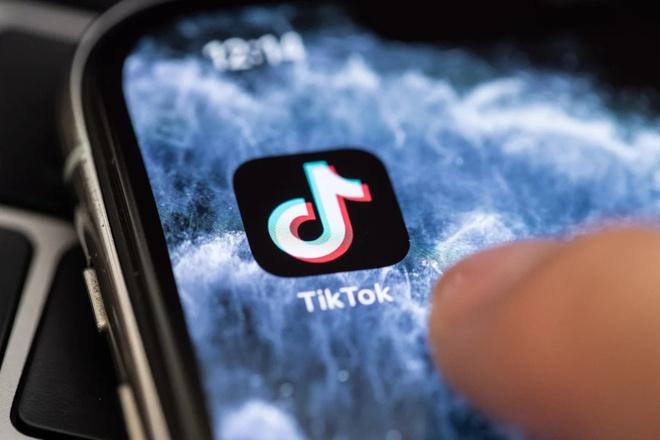 """TikTok, YouTube gặp """"ác mộng"""" tại Malaysia"""