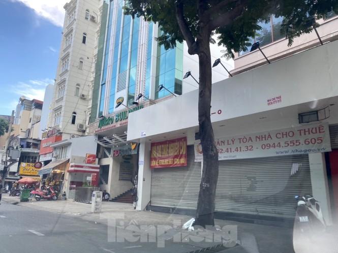 Nhà phố tiền tỷ 'thi nhau' đóng cửa, treo biển cho thuê ở trung tâm Sài Gòn - ảnh 12