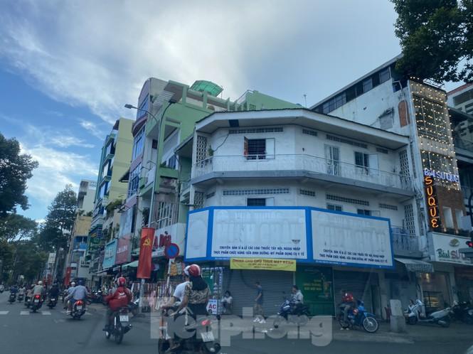 Nhà phố tiền tỷ 'thi nhau' đóng cửa, treo biển cho thuê ở trung tâm Sài Gòn - ảnh 3