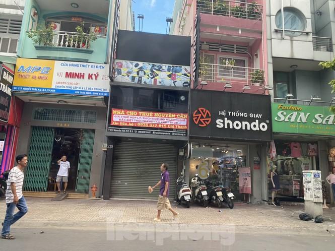 Nhà phố tiền tỷ 'thi nhau' đóng cửa, treo biển cho thuê ở trung tâm Sài Gòn - ảnh 4