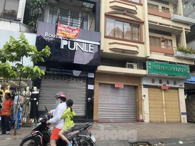 Nhà phố tiền tỷ 'thi nhau' đóng cửa, treo biển cho thuê ở trung tâm Sài Gòn - ảnh 5