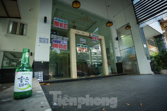 Nhà phố tiền tỷ 'thi nhau' đóng cửa, treo biển cho thuê ở trung tâm Sài Gòn - ảnh 26