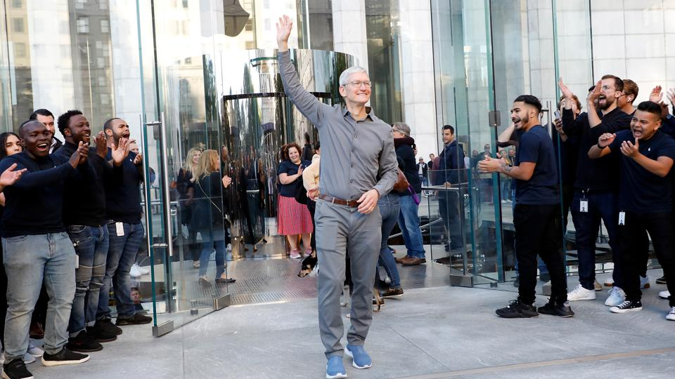 Vốn hóa thị trường của Apple chính thức vượt mốc 2.000 tỷ USD