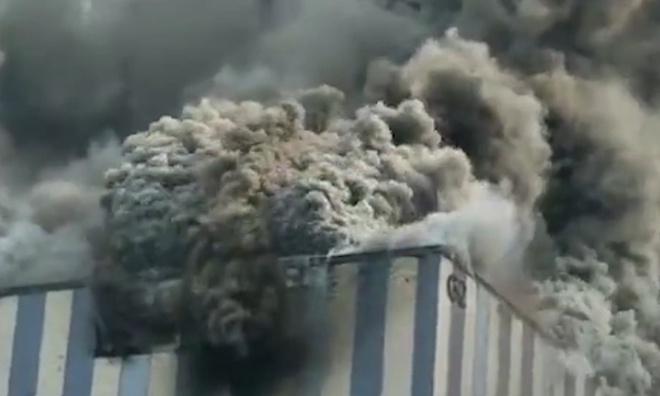 Cháy lớn tại tòa nhà của Huawei ở Trung Quốc