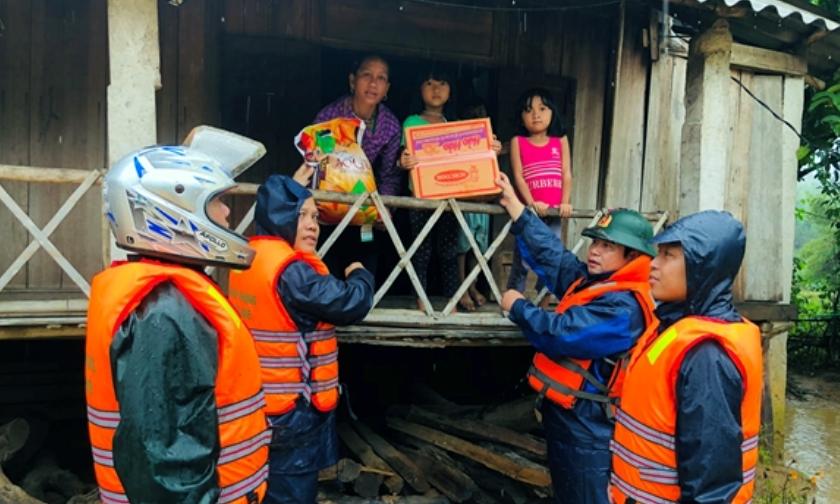 Cấp 4.000 tấn gạo cứu trợ nhân dân 4 tỉnh miền Trung