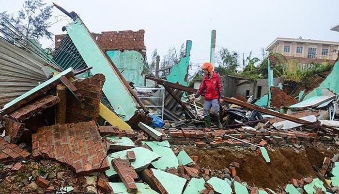 Hỗ trợ tối đa 40 triệu đồng cho mỗi hộ dân bị sập nhà do bão lũ