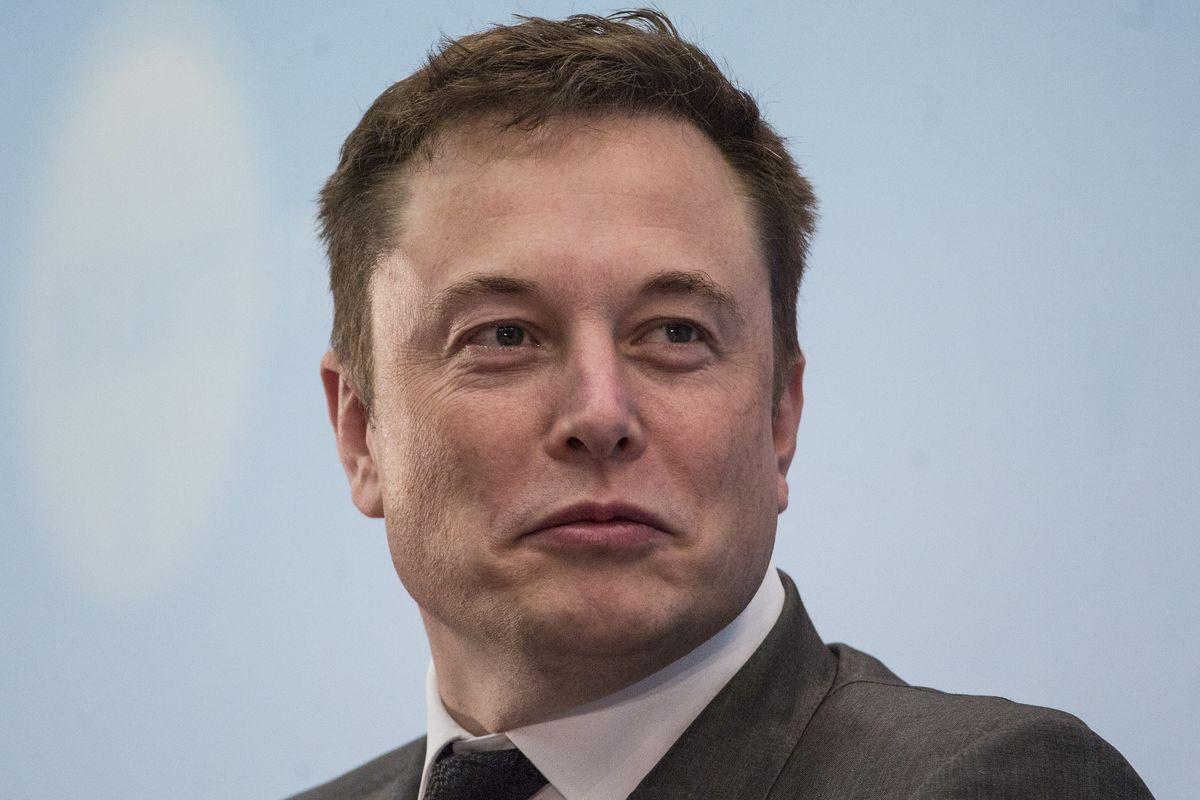 Elon Musk giàu vượt Bill Gates