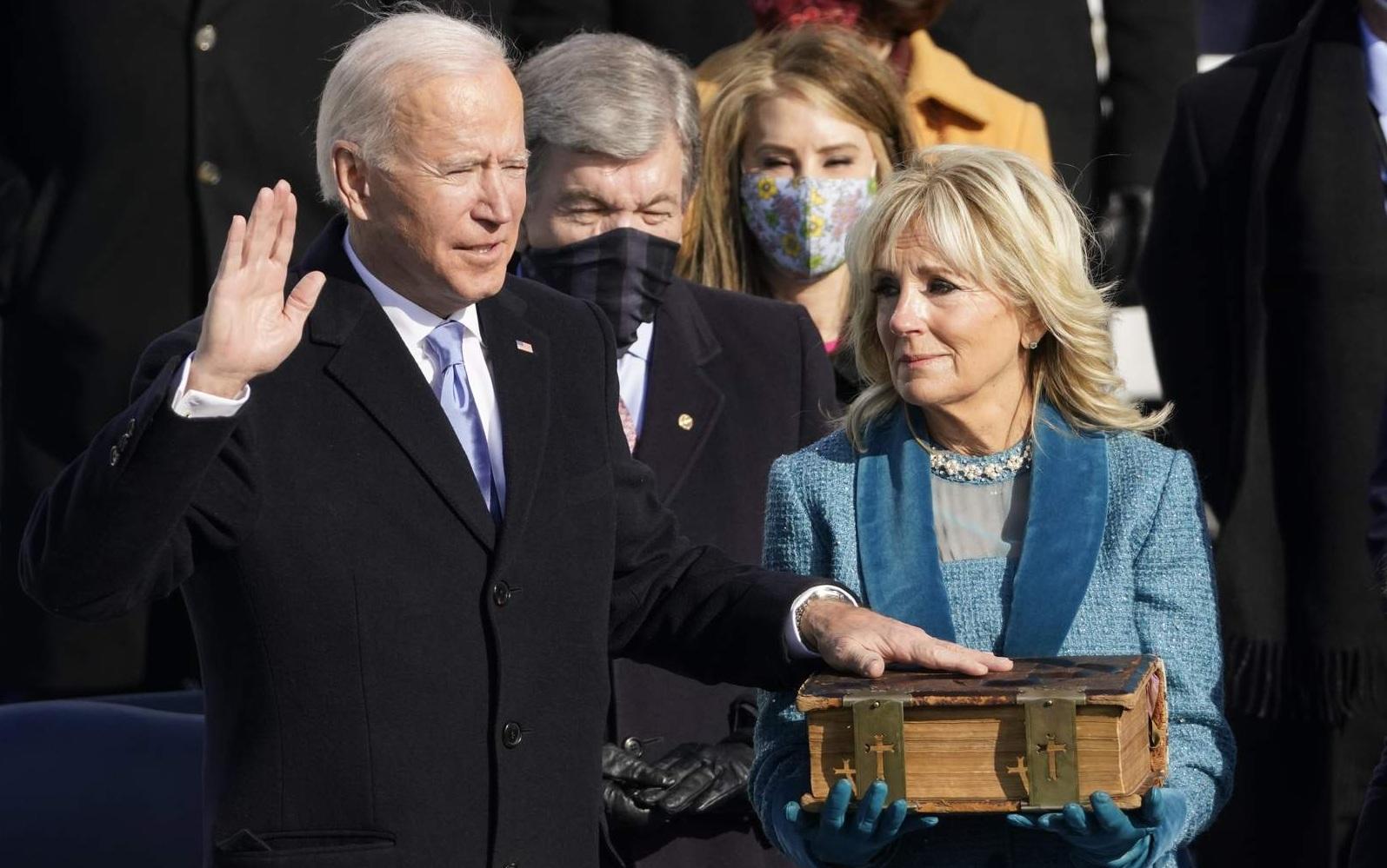 Lãnh đạo Việt Nam gửi điện mừng Tổng thống Joe Biden