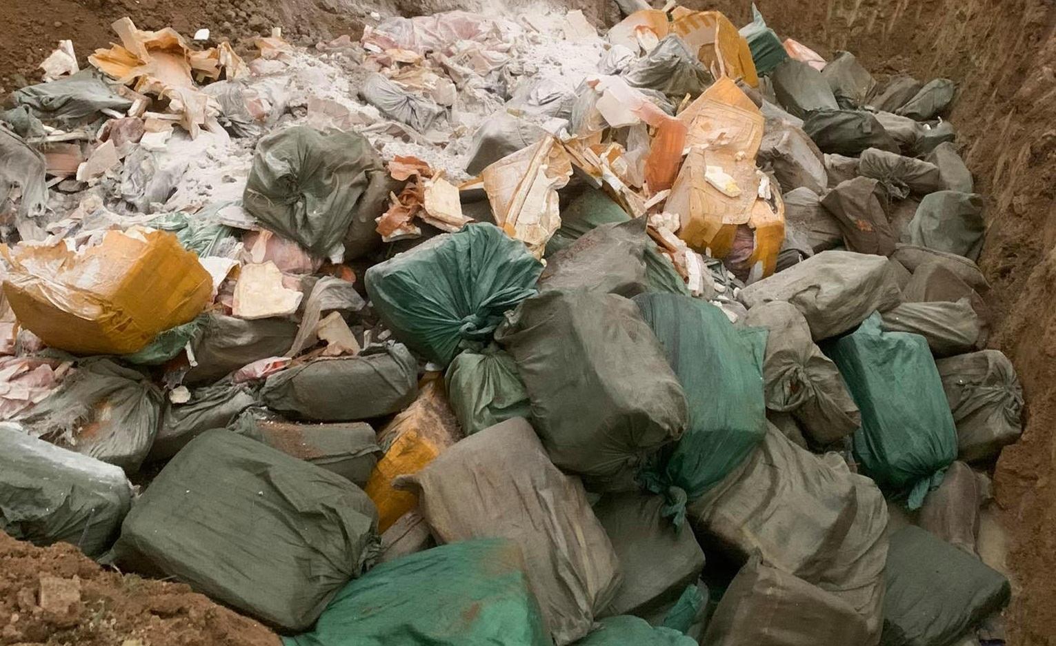Nghệ An: Bắt xe container chở 14 tấn thịt lợn không rõ nguồn gốc