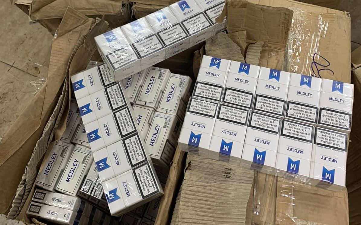 Bắt hơn 12.000 bao thuốc lá trên chuyến bay từ Dubai về Nội Bài