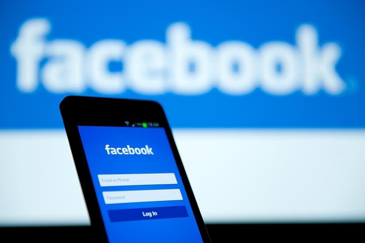 Nga dọa phạt Facebook vì phong tỏa tài khoản truyền thông nước này