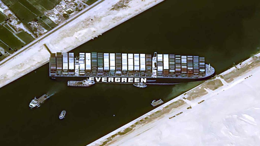 Con tàu mắc kẹt ở Suez ảnh hưởng gì đến xuất nhập khẩu của Việt Nam?