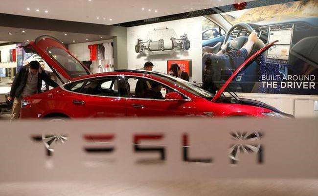 """Tesla của Elon Musk bị chỉ trích """"kiêu ngạo và hống hách"""" ở Trung Quốc"""