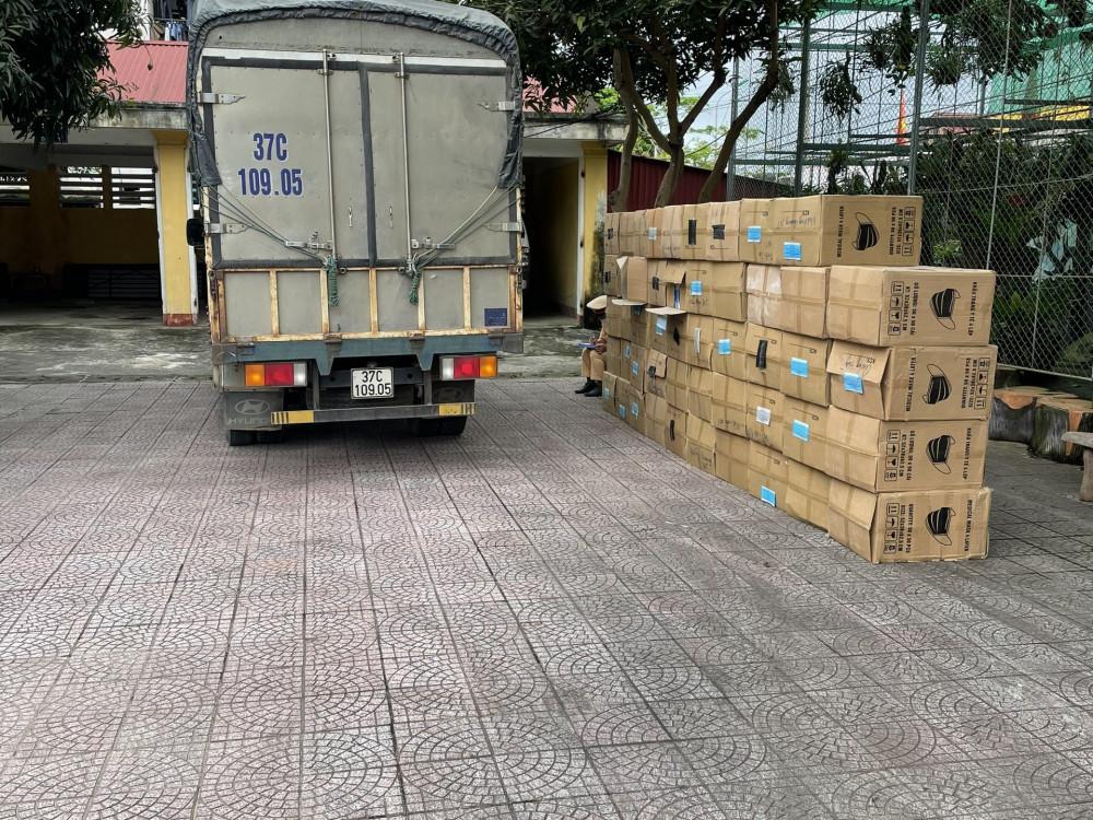 Hà Tĩnh bắt xe tải chở 122.500 khẩu trang không rõ nguồn gốc