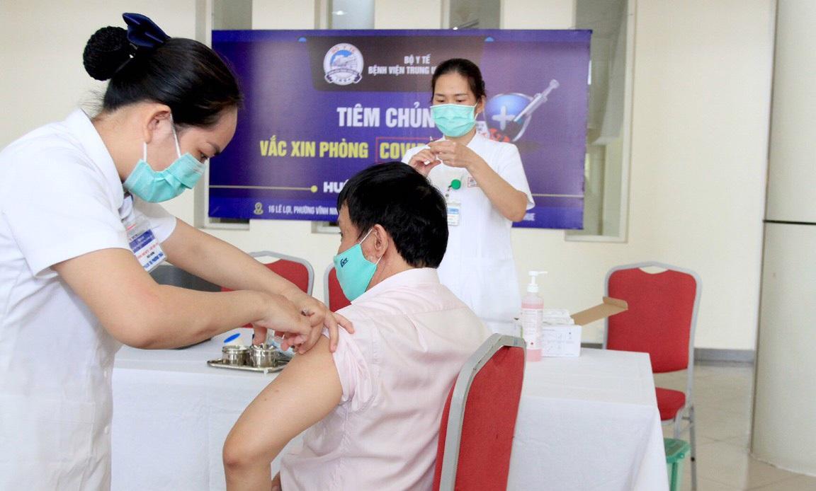 Hà Nội miễn phí tiêm vaccine ngừa Covid-19 cho người từ 18 - 65 tuổi