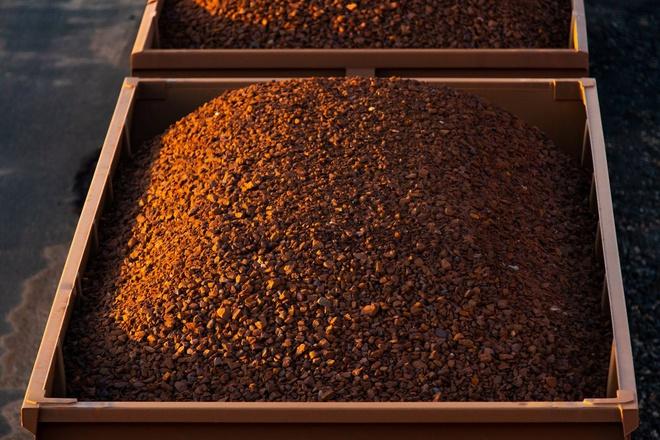 Thị trường thép Trung Quốc quá nóng, giá quặng sắt tăng trở lại