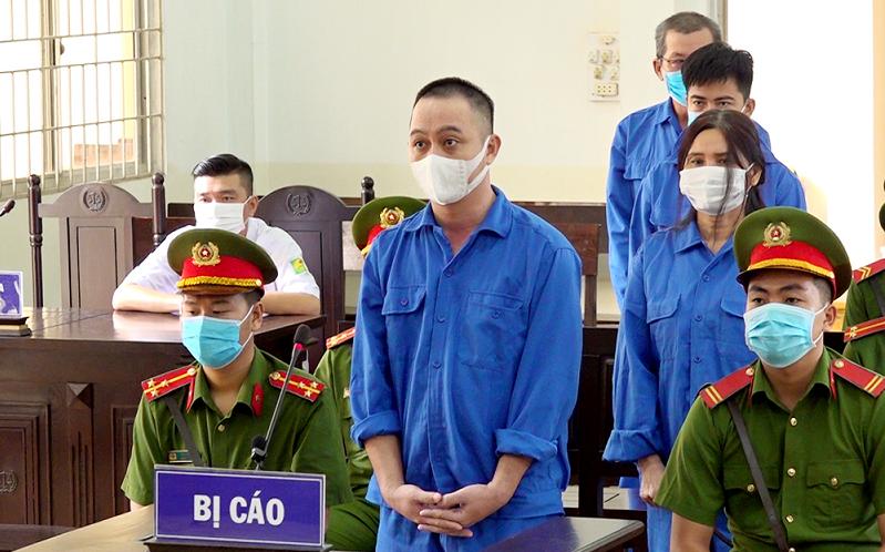 28 năm tù cho 4 đối tượng tổ chức đưa người Trung Quốc xuất cảnh trái phép
