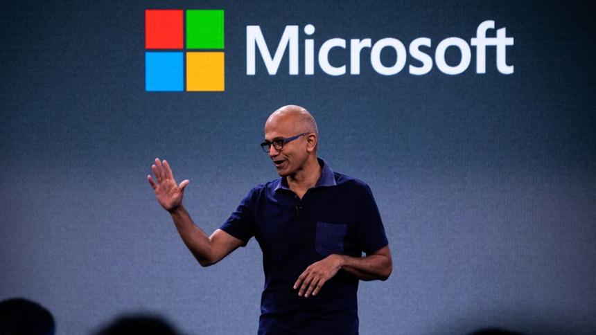 Microsoft cán mốc 2.000 tỷ USD, ngôi vị độc tôn của Apple lung lay