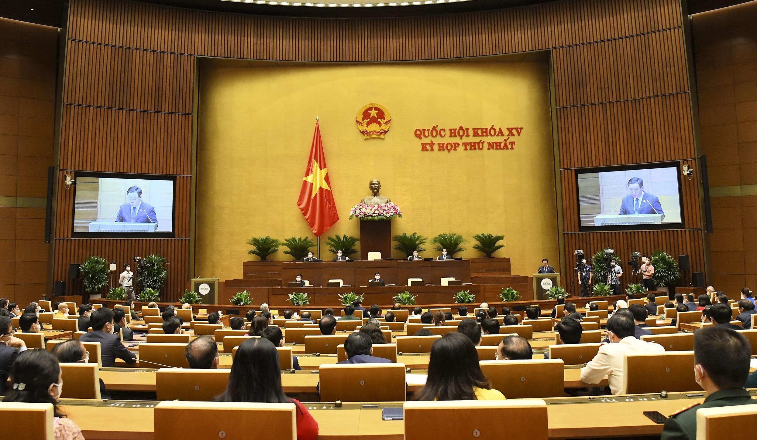 Quốc hội giao Chính phủ, Thủ tướng quyết định các biện pháp cấp bách chưa được luật định để chống dịch