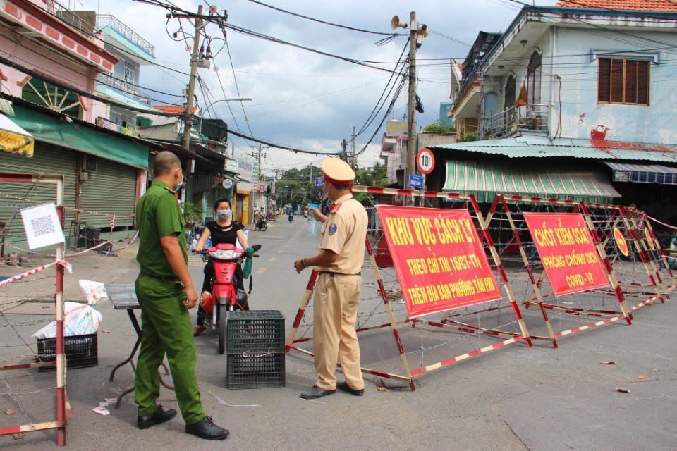 TP.HCM và 18 tỉnh, thành phía Nam giãn cách xã hội thêm 14 ngày,  không để người dân di chuyển khỏi nơi cư trú