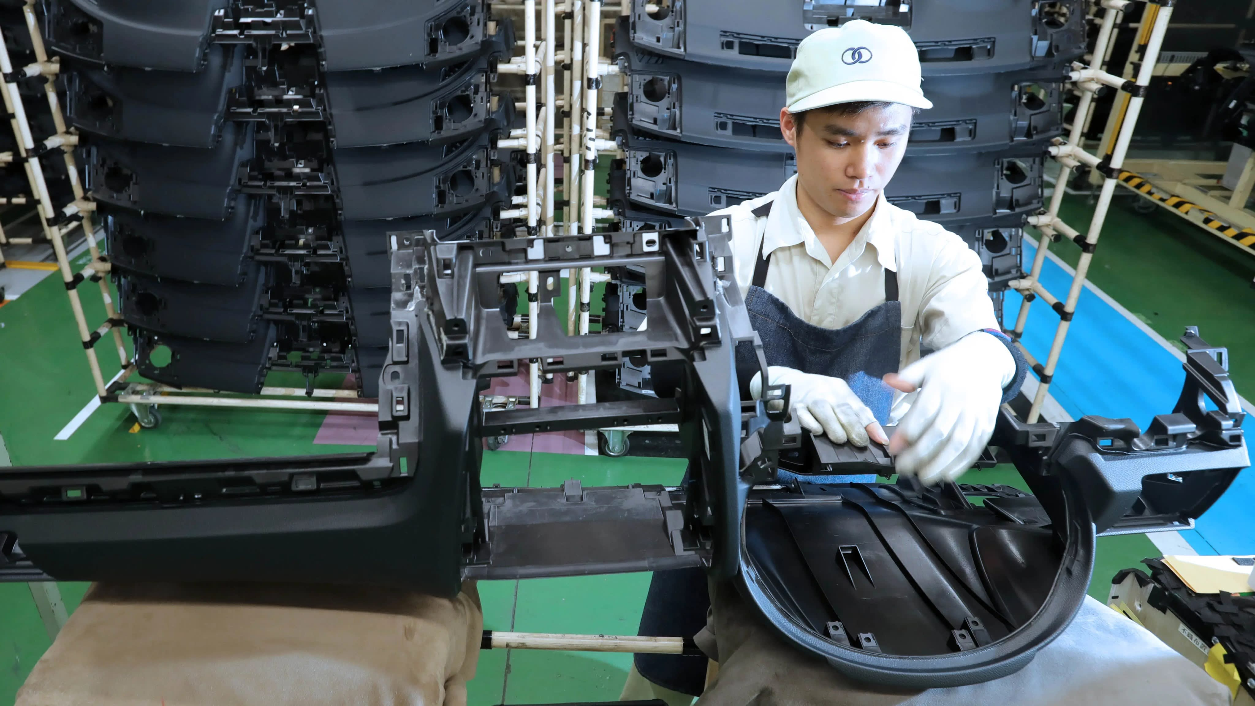 Nhiều điểm mới về chính sách người lao động Việt Nam đi làm việc ở nước ngoài