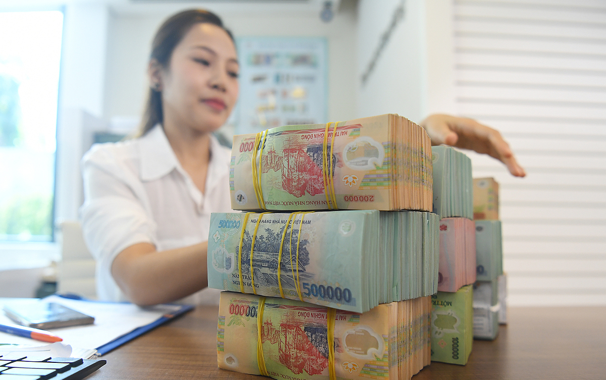 Tiền dồn sang trái phiếu, lãi suất liên ngân hàng tiếp tục tăng