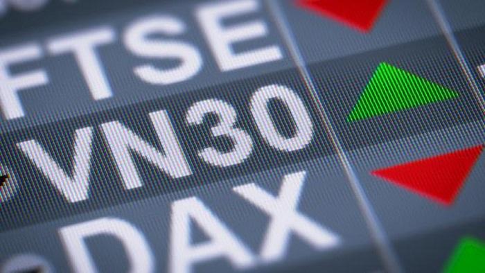 Nhóm VN30 giữa dịch Covid-19: Từ những khoản lợi nhuận sụt giảm mạnh đến những doanh nghiệp báo lãi tăng bằng lần