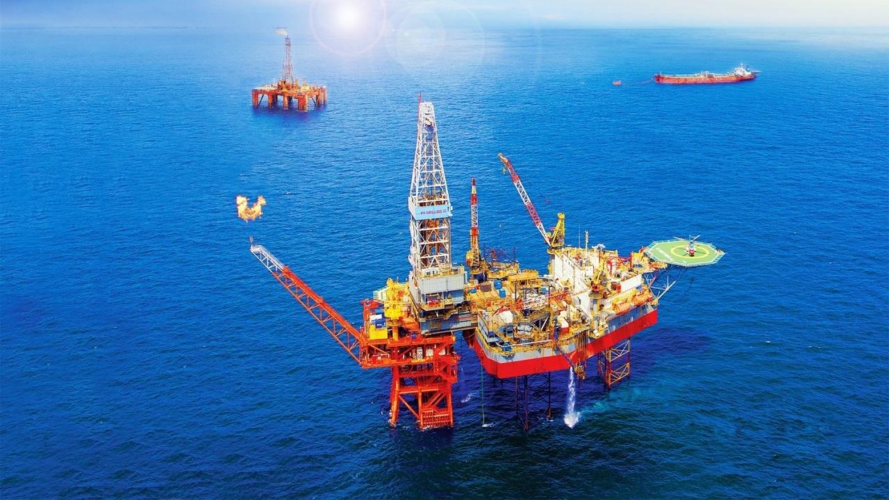"""Giá dầu tăng mạnh, SSI Research """"nới"""" dự phóng lợi nhuận 2021 của PVS thêm gần 13%"""