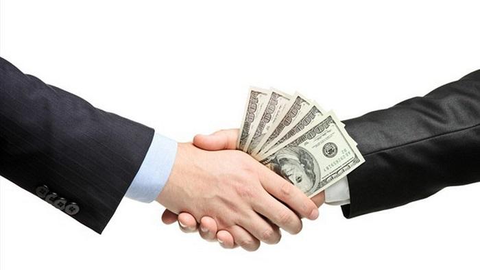 """[BizDEAL] VPBank sắp """"bỏ túi"""" gần 1,4 tỷ USD nhờ bán FE Credit"""