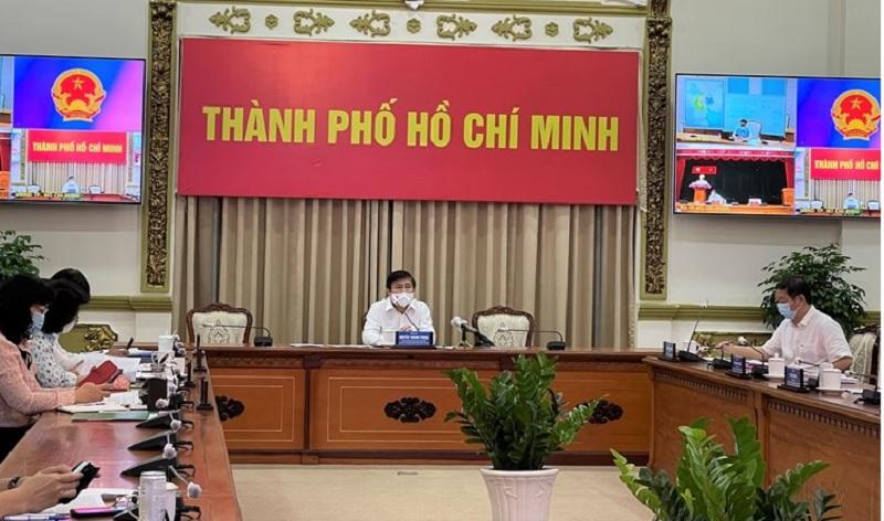 Chủ tịch UBND TP.HCM: Hàng hóa không tăng giá, người dân đang có sự nhầm lẫn về giá cả