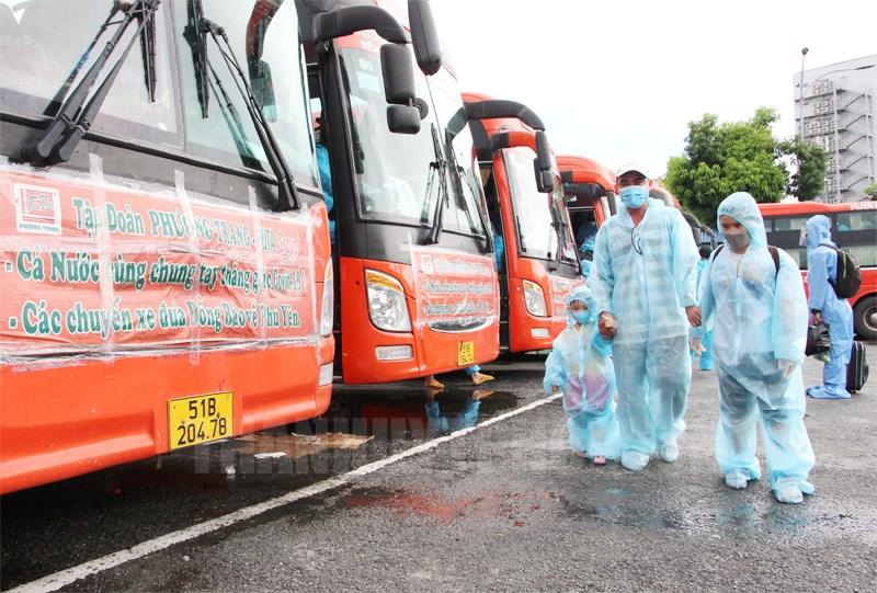 Phương Trang tổ chức đưa hơn 23.500 người dân từ TP.HCM về quê tránh dịch