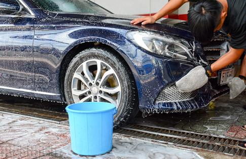5 sai lầm phổ biến của chủ xe khi tự rửa ô tô tại nhà - ảnh 4