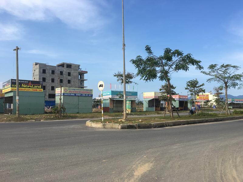 Đại gia ôtô bỏ hoang showroom, ôm tiền đổ về Đà Nẵng buôn đất