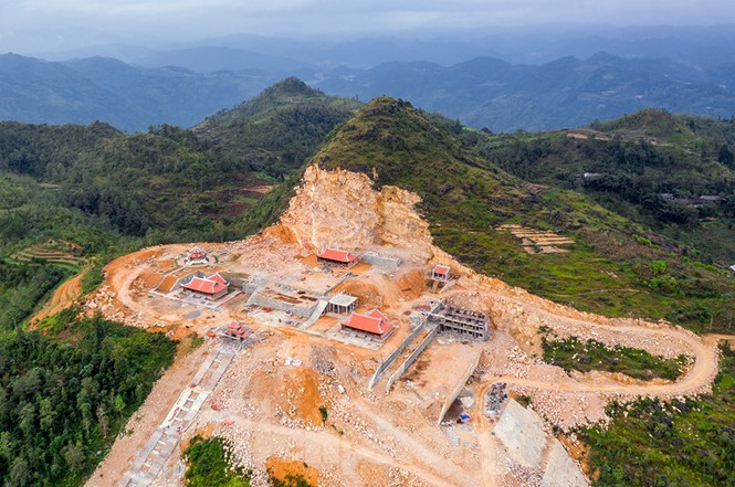 Tạm đình chỉ, tổng kiểm tra siêu dự án 'bạt núi' làm du lịch ở cột cờ Lũng Cú - ảnh 2