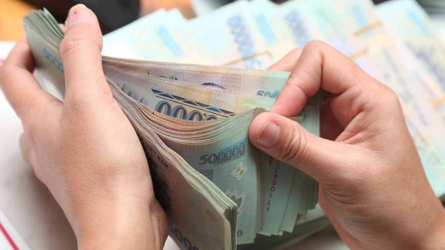Từ 15/4 doanh nghiệp trả lương không đúng hạn bị phạt đến 100 triệu đồng