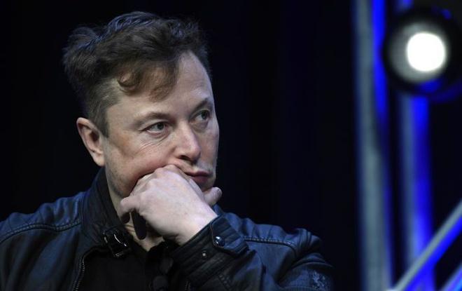 """Những lần """"vạ miệng"""" của tỷ phú Elon Musk"""