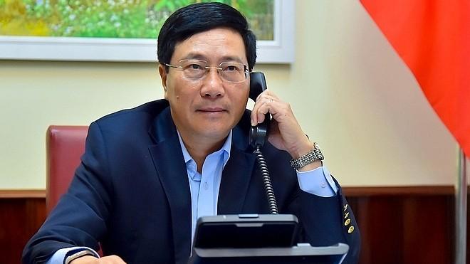 Bộ trưởng Ngoại giao Nhật Bản đề nghị tái khởi động đi lại giữa hai nước