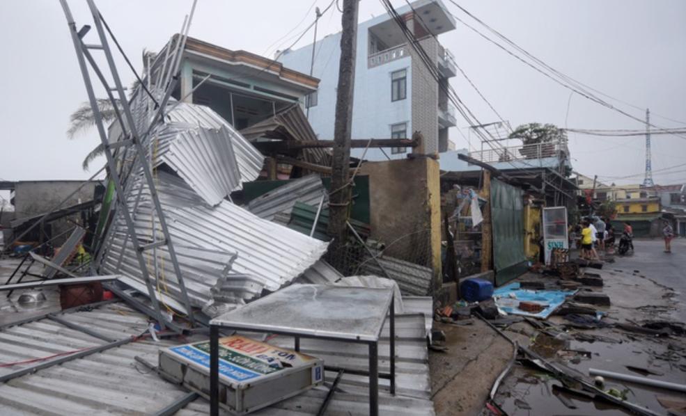 Bão số 9 suy yếu thành áp thấp nhiệt đới, gần 60.000 ngôi nhà bị tốc mái