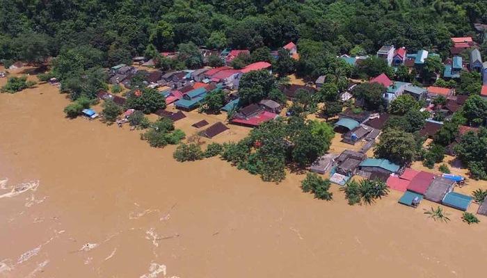 Cảnh báo lũ quét nhiều tỉnh miền Trung, sơ tán khẩn cấp người dân ở hạ lưu hồ, đập