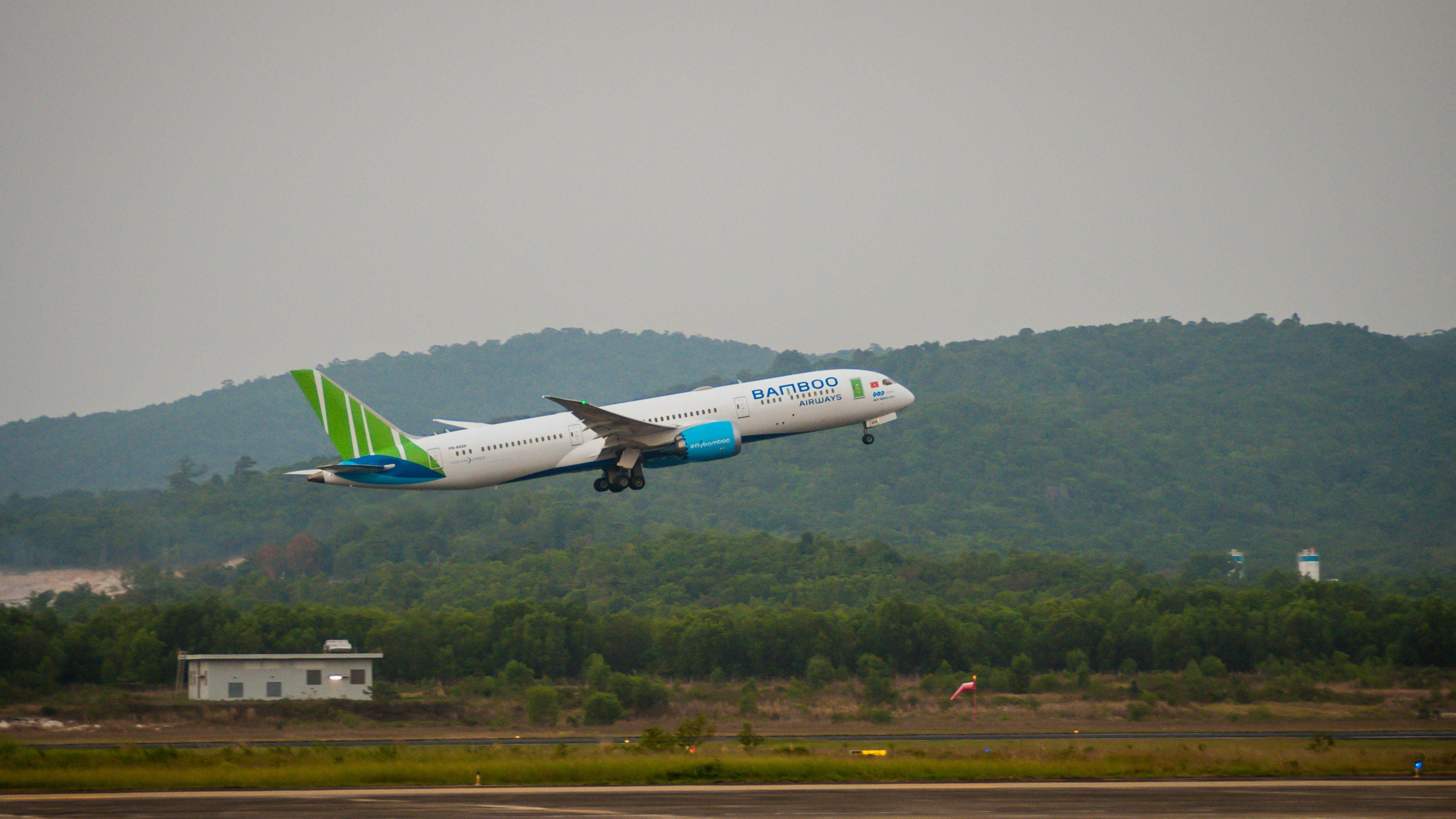 Doanh nghiệp Việt – Mỹ bắt tay nâng cấp hạ tầng hàng không, Bamboo Airways chuẩn bị để bay thẳng từ quý 3