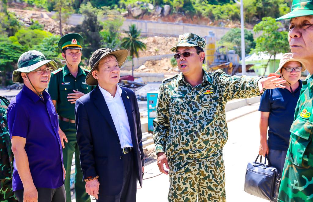 T&T Group thăm và tặng quà cán bộ chiến sỹ làm nhiệm vụ trên đảo Hòn Khoai