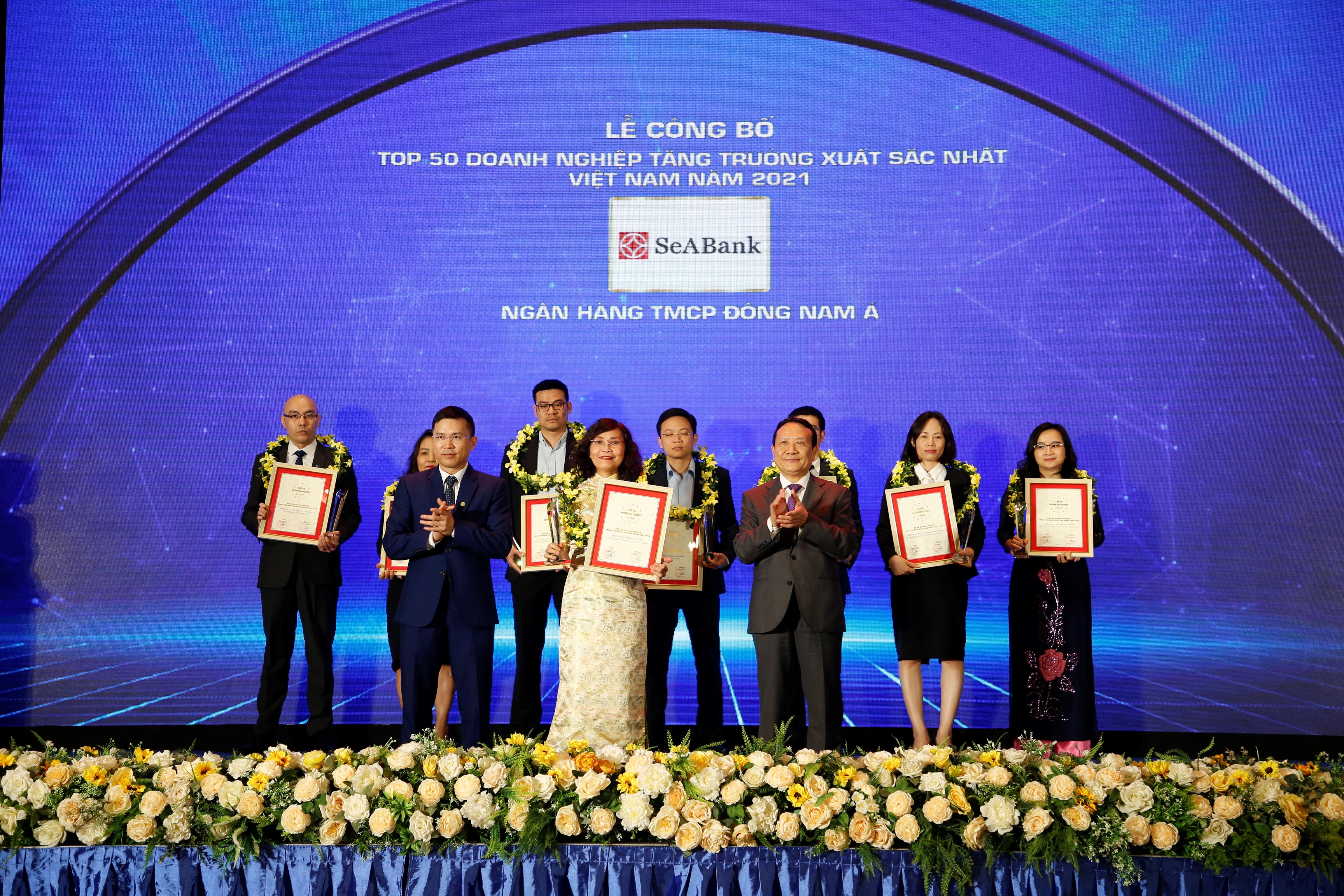 """SeABank được vinh danh """"Top 50 doanh nghiệp tăng trưởng xuất sắc nhất Việt Nam"""""""